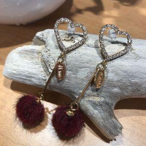 Jewelry - Sparkle heart puff drop earrings